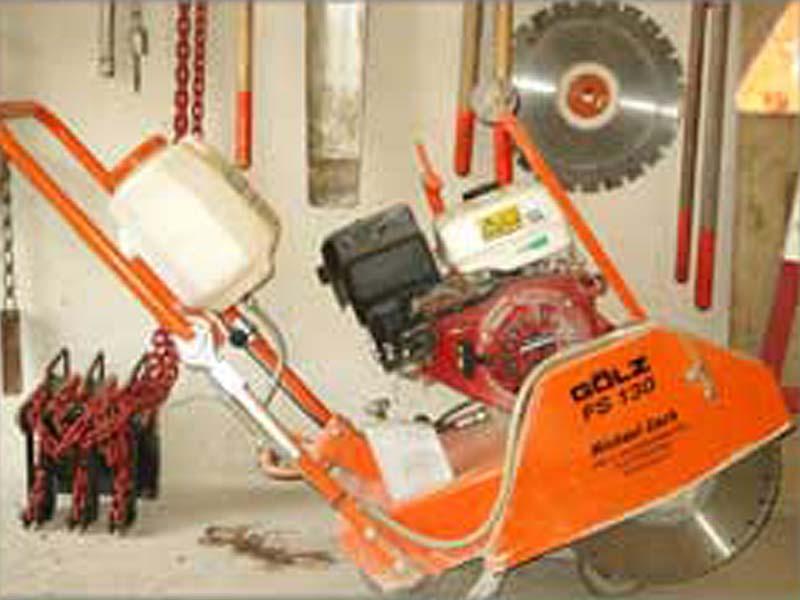 Erdarbeiten Zach | Betonschneidemaschine